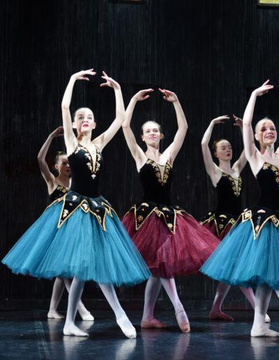 1 året fra Danselinje i Klassisk Ballett